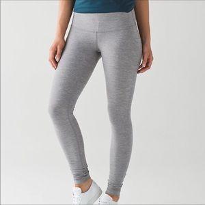 LULULEMON grey wunder under leggings!!!